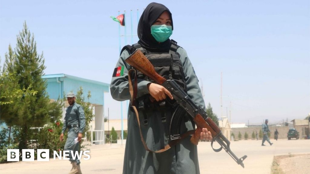 Afghanistan: Bus blast kills three university staff
