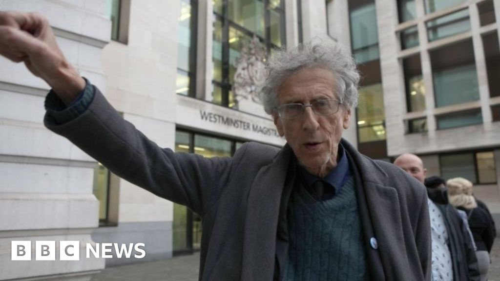 Piers Corbyn 'specifically targeted by police' at anti-lockdown protest court heard