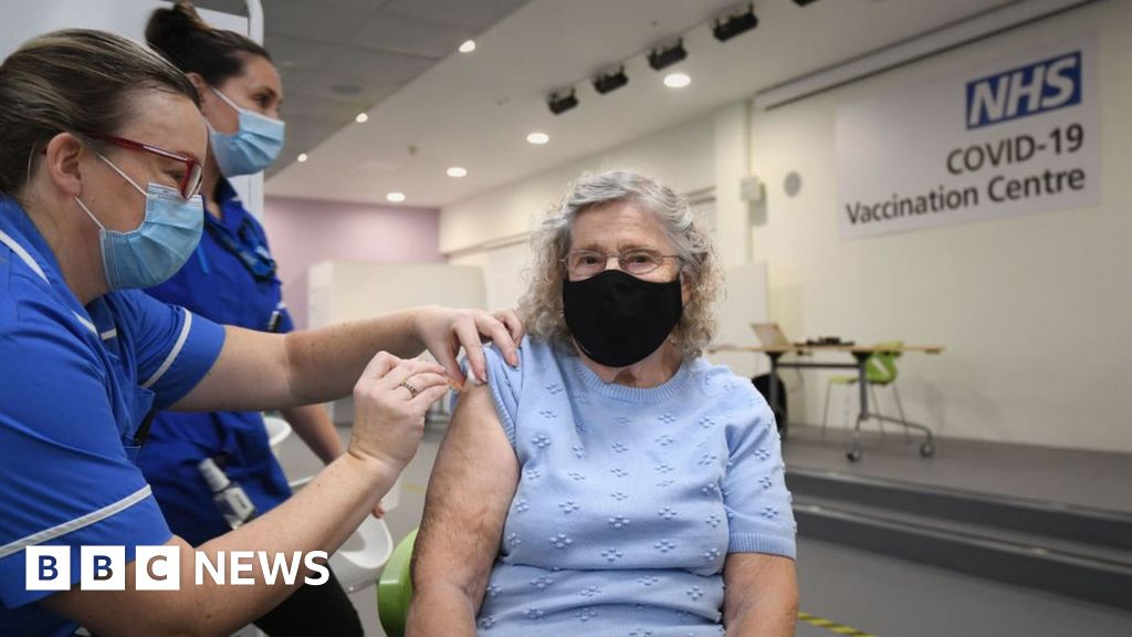 Covid-19: England delivering 140 jabs a minute, says NHS chief executive