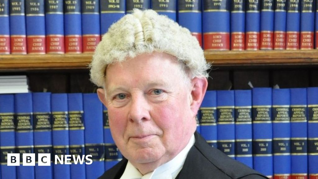 Justice powers for Wales urged by commission thumbnail