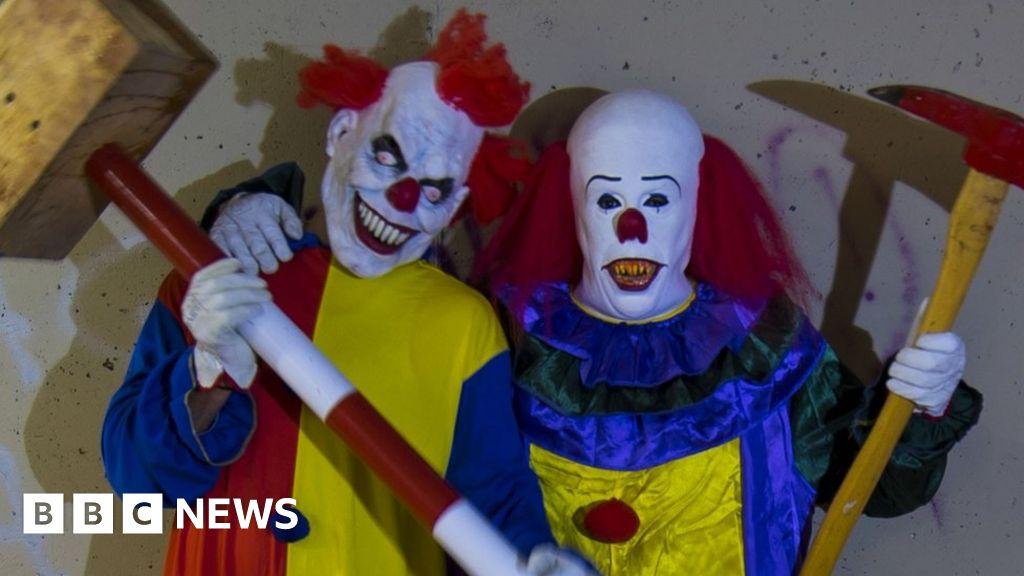 Dm Pranks Halloween 2020 Why I am a 'killer clown'   BBC News
