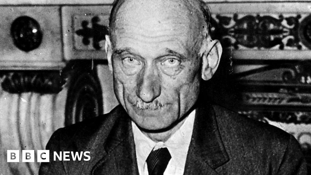 Robert Schuman: Pope puts father of modern Europe on sainthood path