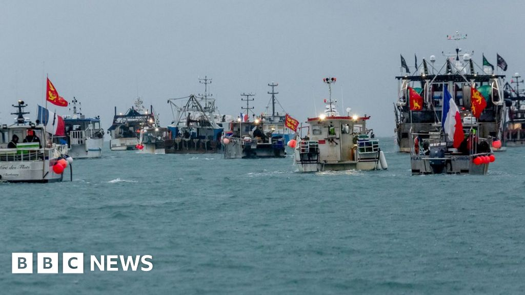 Jersey offers 162 fishing licences after French ultimatum