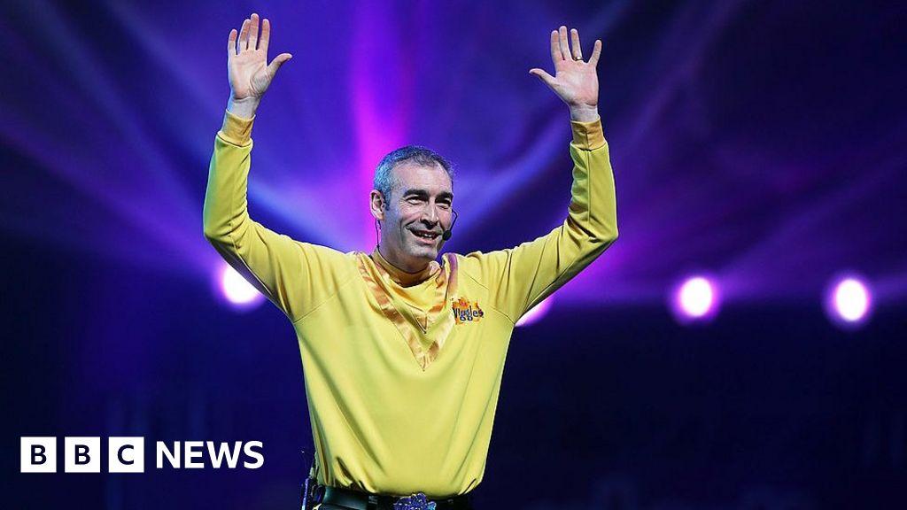 Wiggles singer Greg page has cardiac arrest in bushfire relief