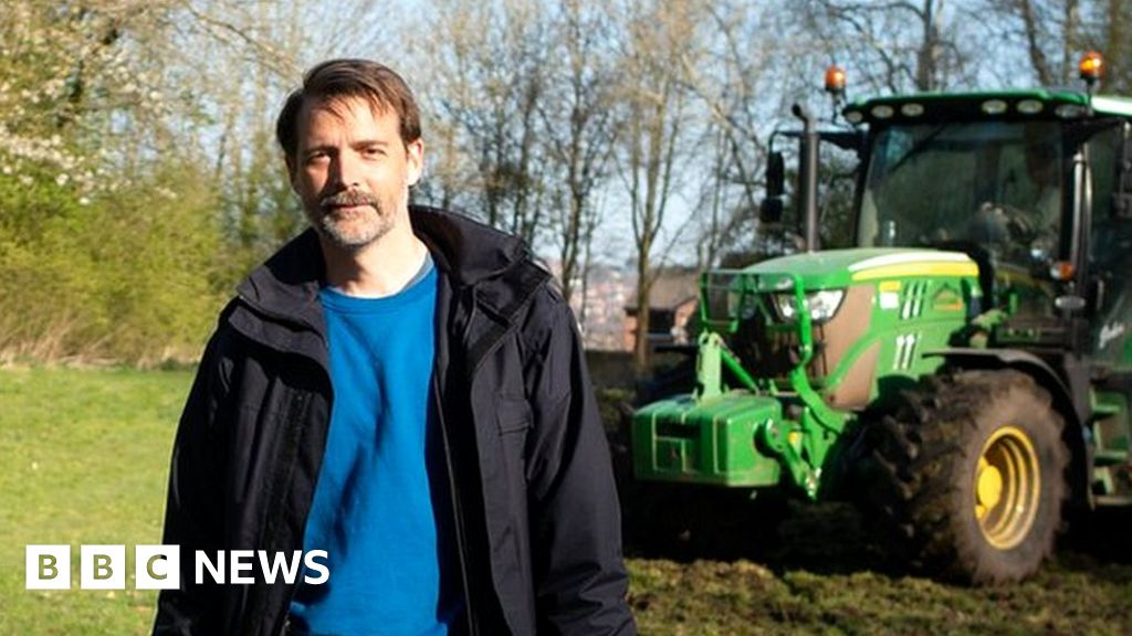 Fashionable farming - the people growing their own clothes