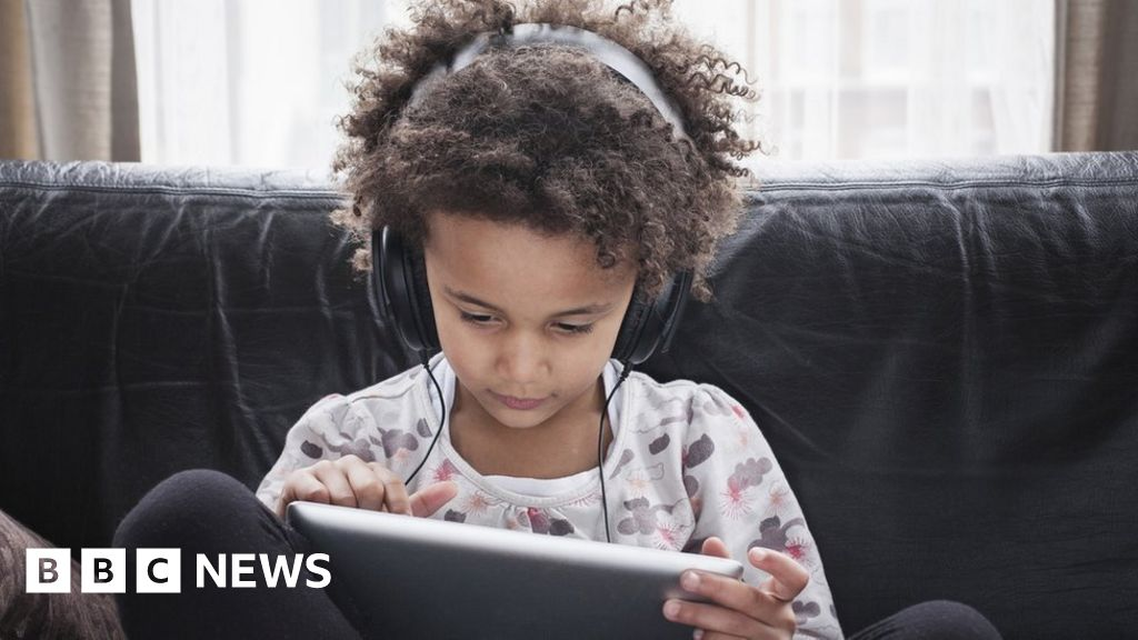 YouTube faces legal battle over British children's privacy