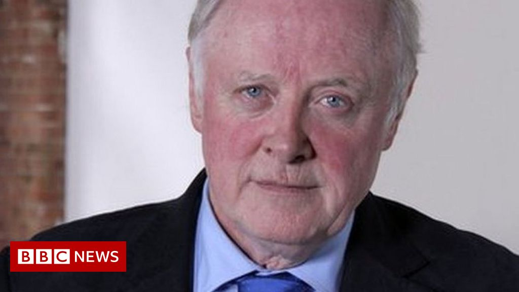 Sir Gerry Robinson: Businessman and broadcaster dies aged 72