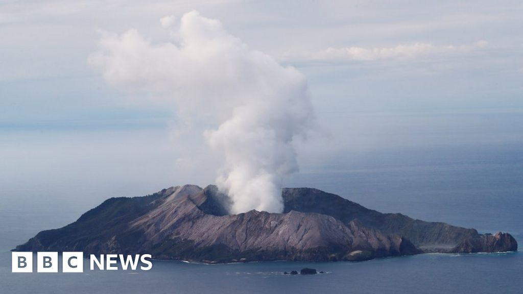 White Island volcano: How will bodies be recovered? thumbnail