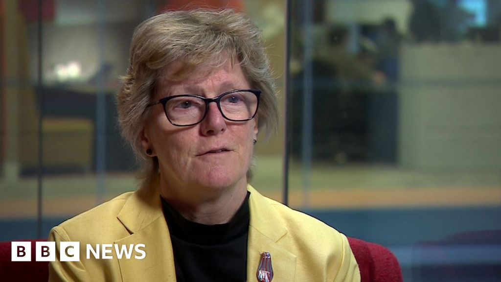 UK's top doctor calls for global health effort