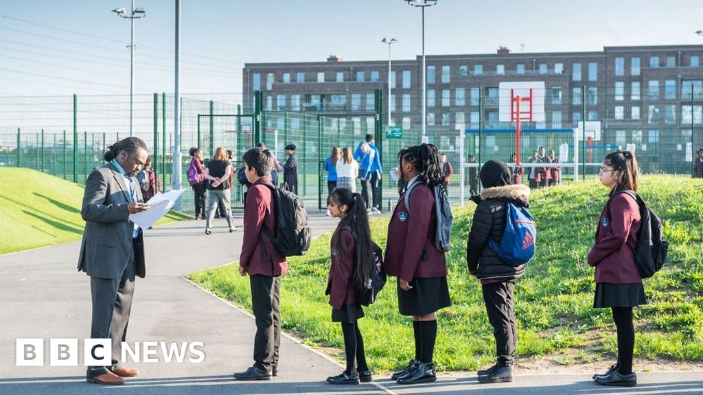'Collapse' in secondary school attendance warning