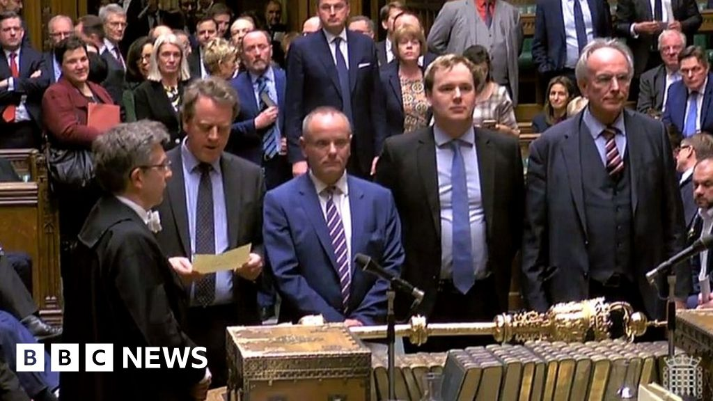 MPs vote to seek delay to Brexit thumbnail
