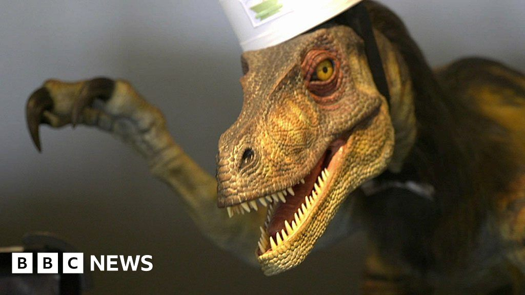 Robot Dinosaur Sacked and Other Technology News
