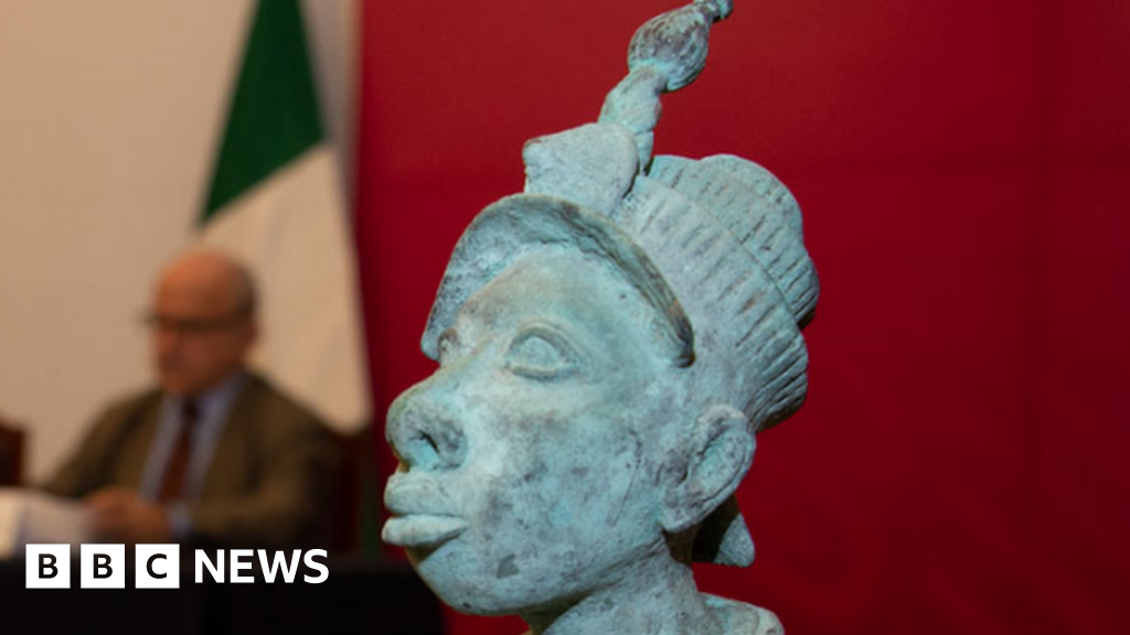 Mexico returns smuggled sculpture to Nigeria