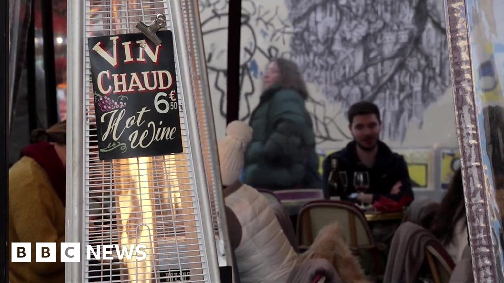 Should outdoor cafe heaters be banned?