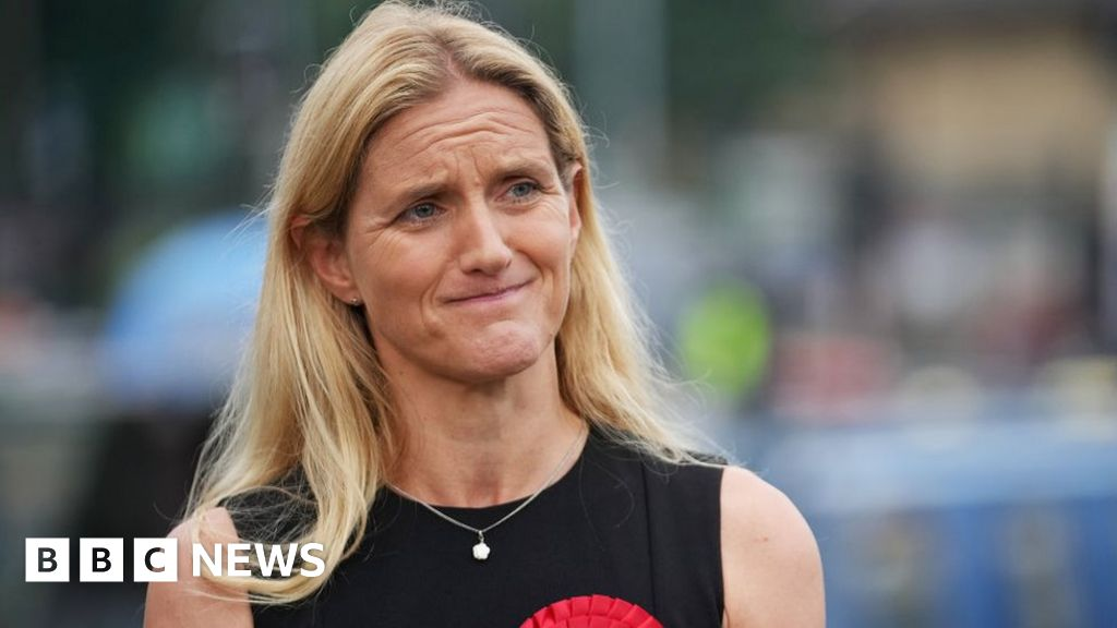 Partner of Jo Cox's sister asks her to 'step down' as MP