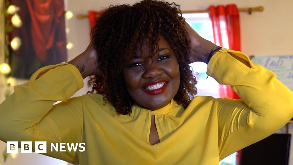 01547e99586 Codilia designs false lashes for cancer patients. - BBC News