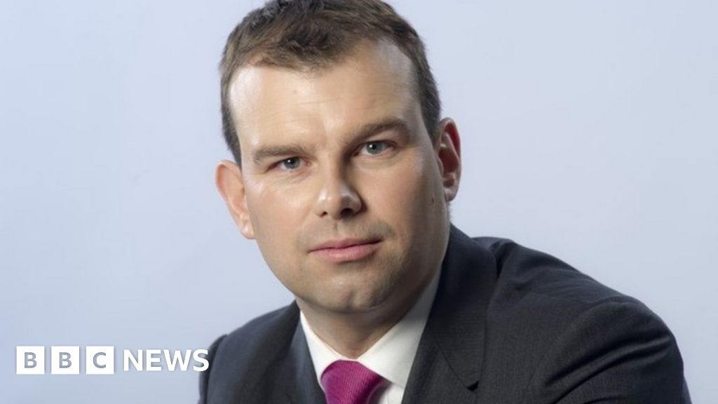 Listen to moment tree hits BBC reporter thumbnail