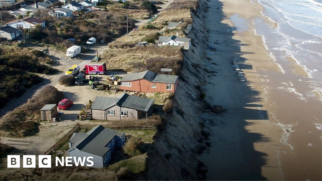 Hemsby coastal erosion leaves cliff top homes uninhabitable bbc news thecheapjerseys Image collections