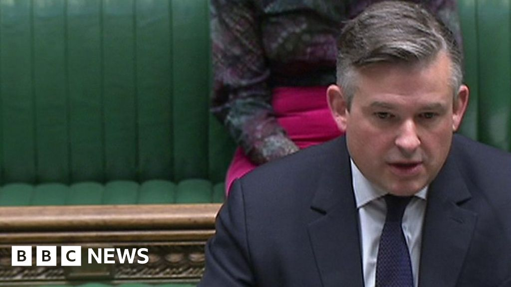 Labour says Covid vaccination programme is stalling