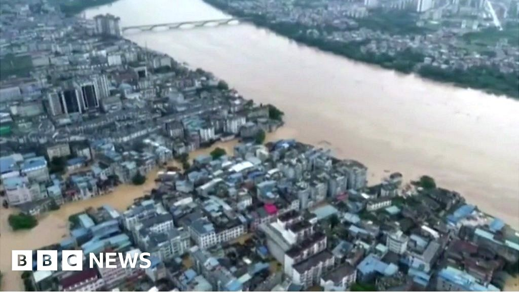 Southern China hit by heavy flooding