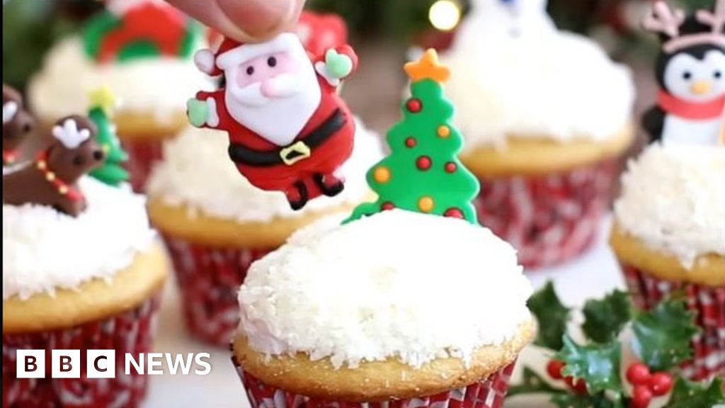 Us Food Blogger Sues Food Network Over Snow Globe Cakes Bbc News