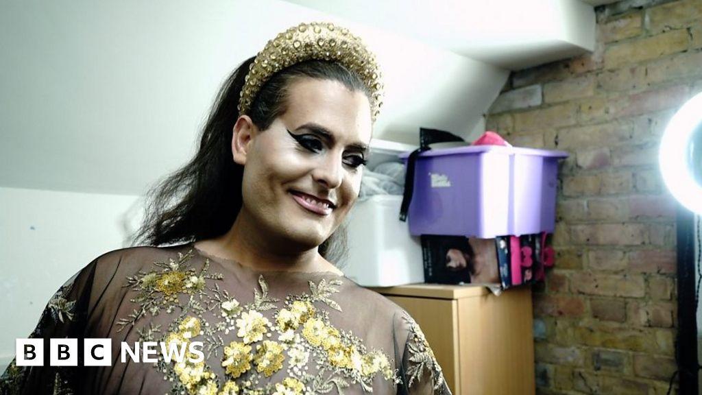 Gay dating in Zimbabwe