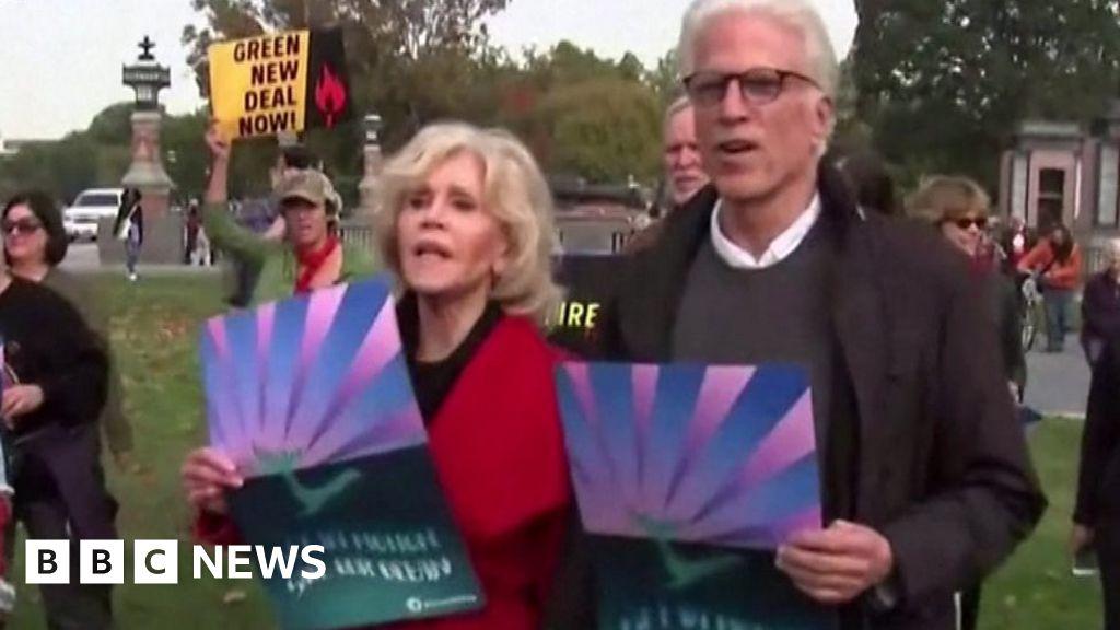Jane Fonda 'inspired by Greta Thunberg' thumbnail