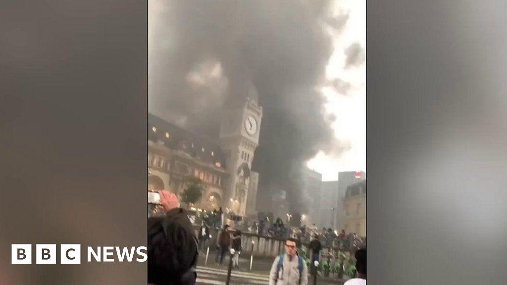 Major fire forces Paris station evacuation