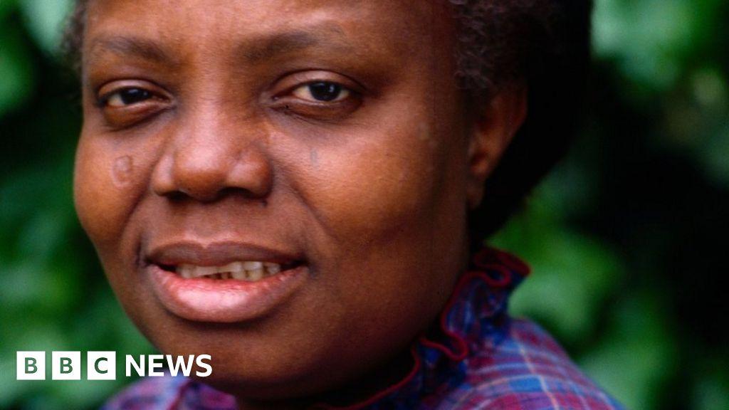 Buchi Emecheta: Nigerian author who championed girls dies aged 72 - BBC News
