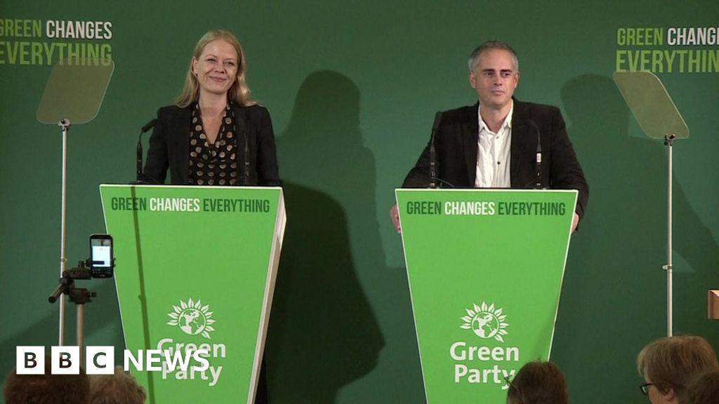 Work-life balance in crisis, say Greens