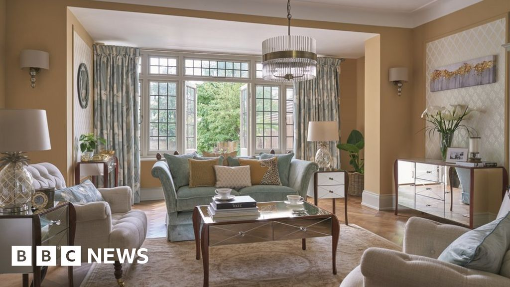 Laura ashley shares plunge 26 on profit warning bbc news for Living room channel 9