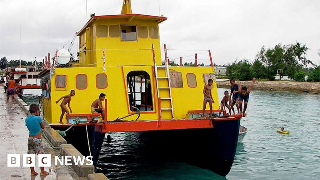 Kiribati ferry disaster: Islands mourn 81 presumed victims