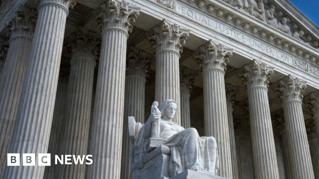 Prosecutors can see Trump taxes, Supreme Court says