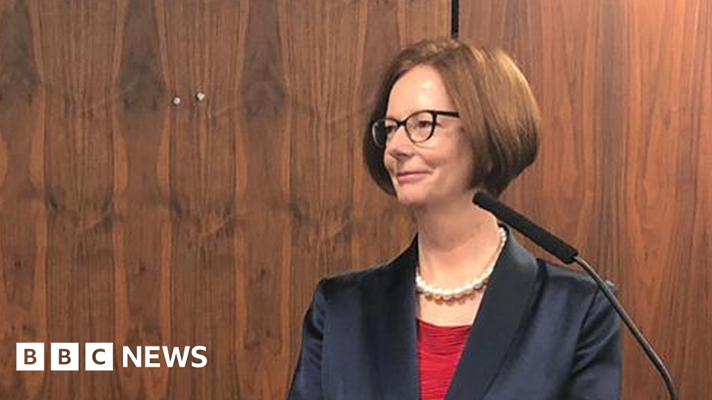 Julia Gillard: Abuse of women online 'disproportionate'
