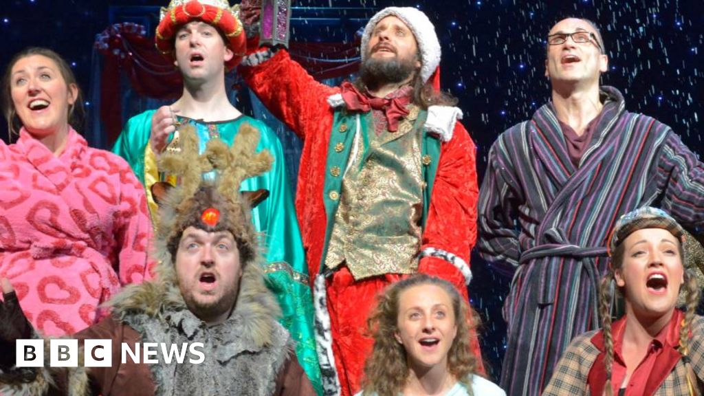 Drive-in Car Park Panto to tour UK (Oh yes it is!) thumbnail
