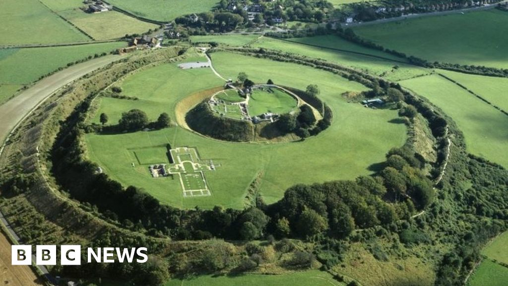 English Heritage calls for an end to the illegal treasure hunting in historic sites