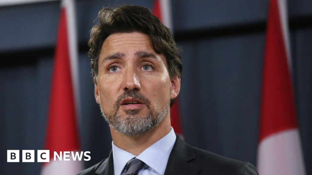 Rail blockades 'must come down', says Trudeau - BBC News