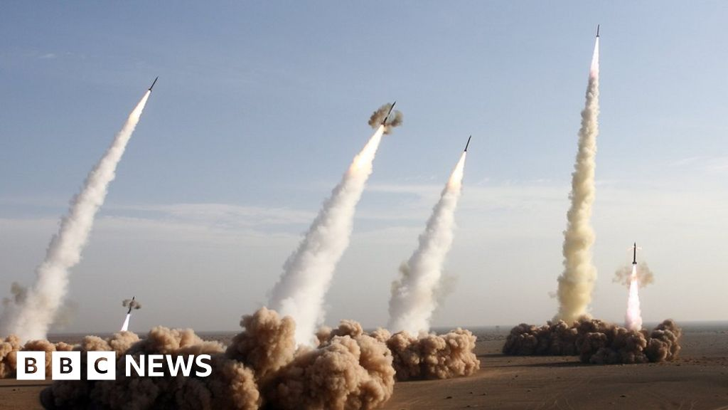 Iran insists missile programme is 'non-negotiable' thumbnail