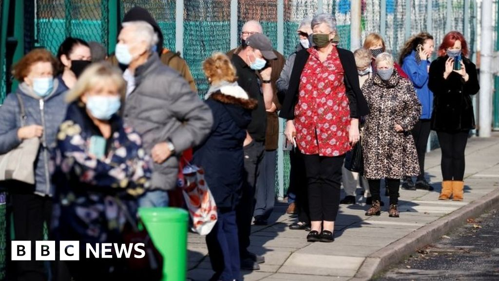 Covid: Queues as Liverpool's city-wide coronavirus testing begins