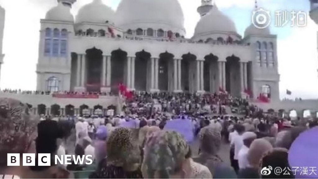 China mosque demolition sparks standoff in Ningxia