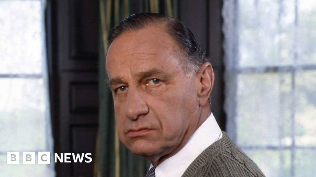 Geoffrey Palmer, TV and film actor, dies at 93