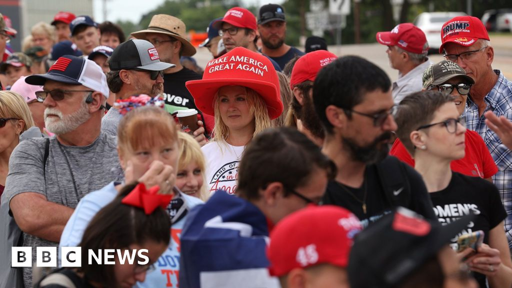 Donald Trump: crowds gather for Tulsa rally in spite of coronavirus fears