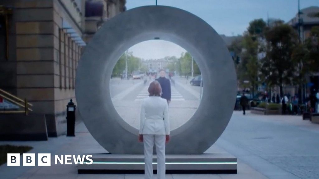 'It looks like it's a real portal from a movie'