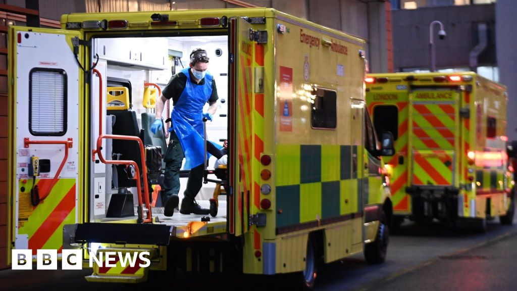 Covid: UK reports record 1,564 daily deaths