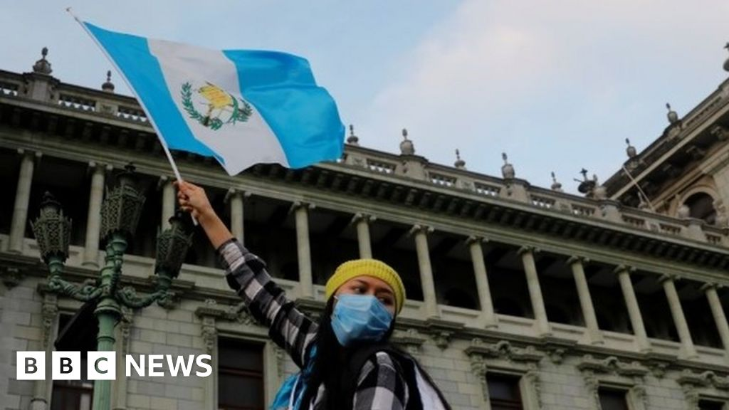 Guatemala's controversial budget 'shelved' amid protests