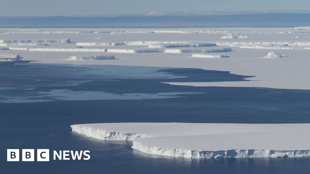 Antarctic instability 'is spreading'