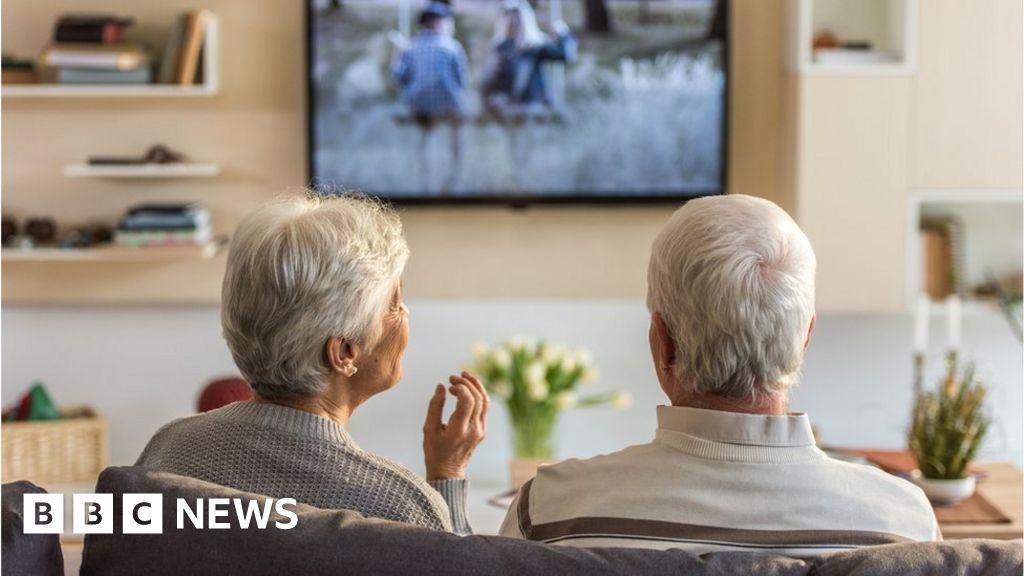 Coronavirus: Why the pension triple lock is back in the spotlight thumbnail