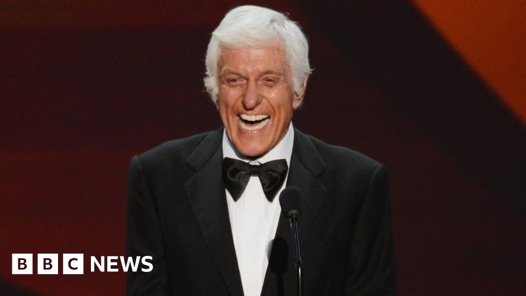 Dick Van Dyke 'joins cast of Mary Poppins Returns'