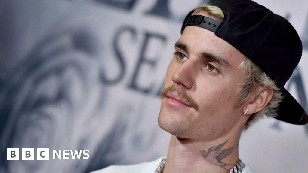 Justin Bieber beats Elvis Presley s US chart record