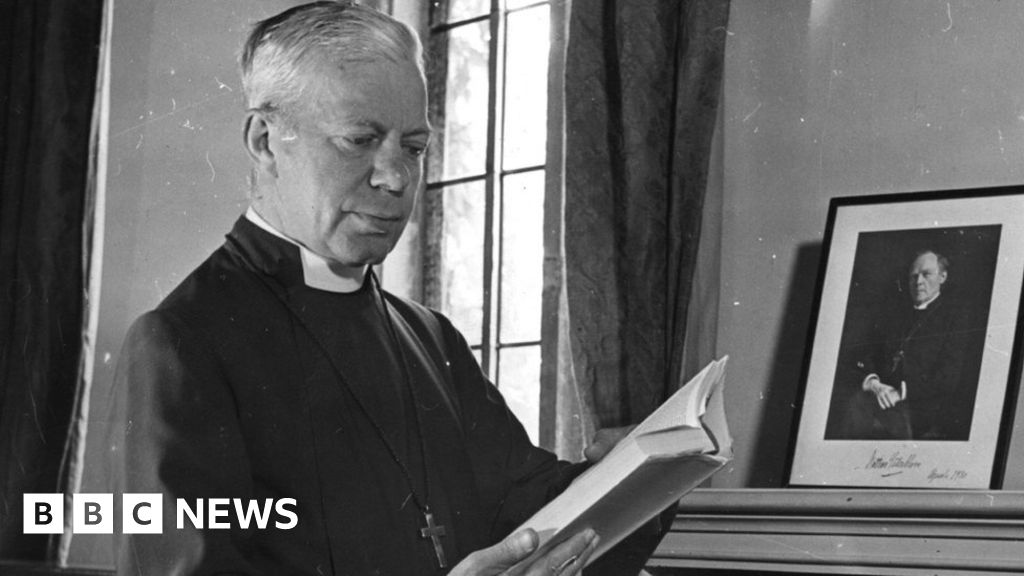 3c0340cbdfe96e Welby  should resign  over Bishop George Bell abuse claims - BBC News